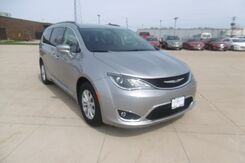 2017_Chrysler_Pacifica_Touring-L_ Peoria IL