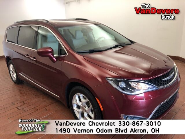 2017 Chrysler Pacifica Touring L Plus Akron OH