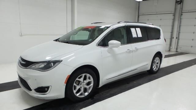 2017 Chrysler Pacifica Touring-L Plus FWD Topeka KS
