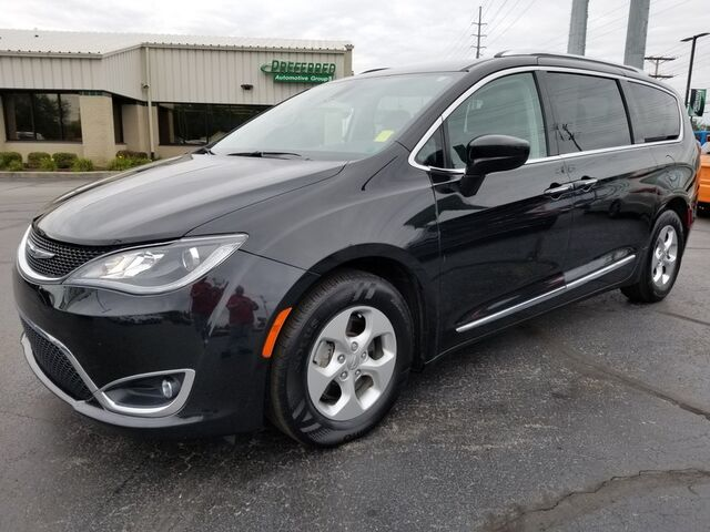 2017 Chrysler Pacifica Touring-L Plus Fort Wayne Auburn and Kendallville IN