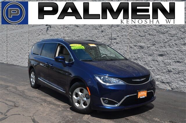 2017 Chrysler Pacifica Touring L Plus Kenosha WI