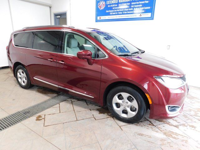 2017 Chrysler Pacifica Touring-L Plus LEATHER NAVI Listowel ON