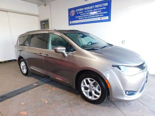 2017 Chrysler Pacifica Touring-L Plus LEATHER NAVI SUNROOF Listowel ON