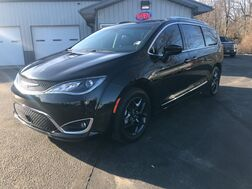 2017_Chrysler_Pacifica_Touring-L Plus_ Middlebury IN
