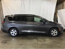 2017_Chrysler_Pacifica_Touring-L Plus_ Middletown OH