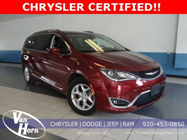 2017 Chrysler Pacifica Touring L Plus Plymouth WI