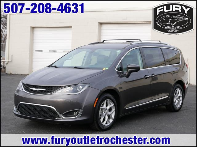 2017 Chrysler Pacifica Touring-L Plus St. Paul MN