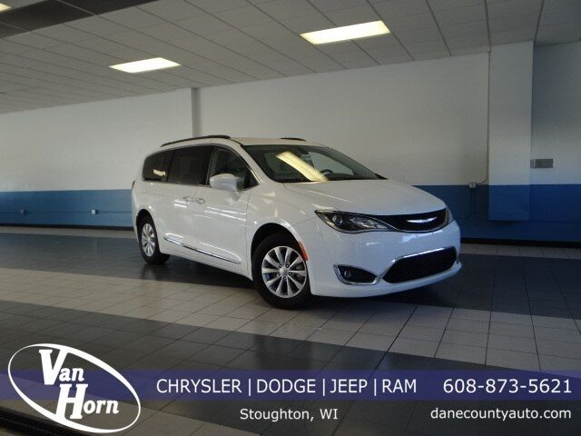 2017 Chrysler Pacifica Touring L Plymouth WI