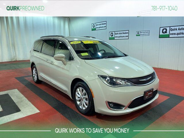2017 Chrysler Pacifica Touring-L Braintree MA