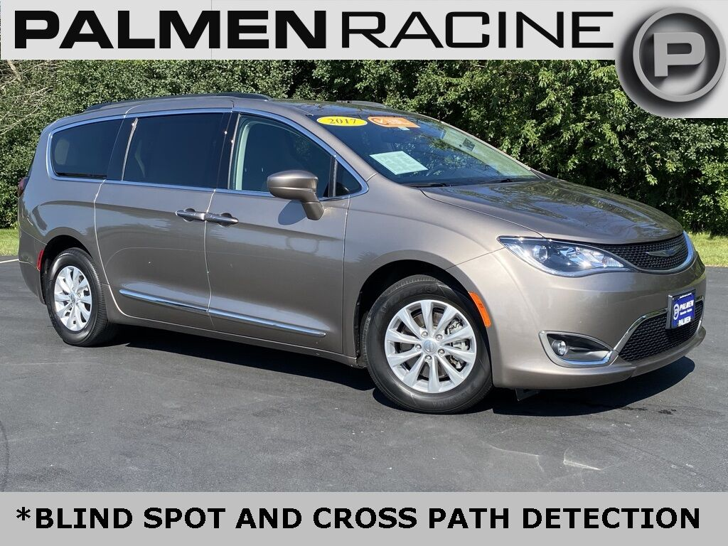2017 Chrysler Pacifica Touring L Racine WI
