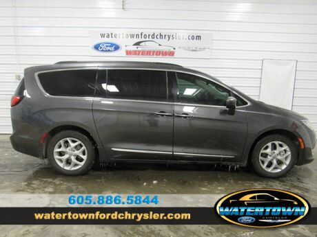 2017 Chrysler Pacifica Touring-L Watertown SD