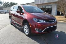 2017 Chrysler Pacifica Touring L Wheelchair Van Conyers GA