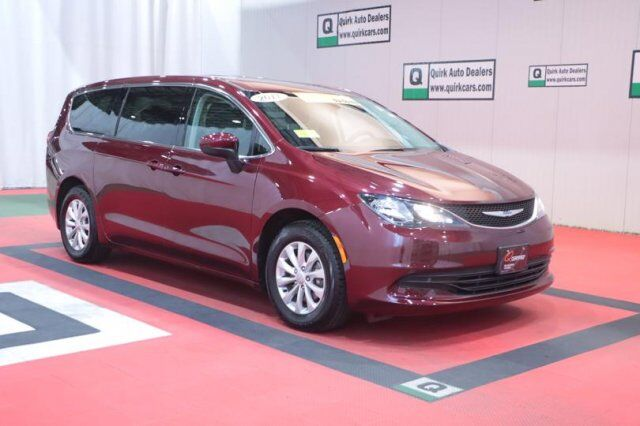 2017 Chrysler Pacifica Touring Quincy MA