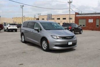 2017_Chrysler_Pacifica_Touring_ Cape Girardeau