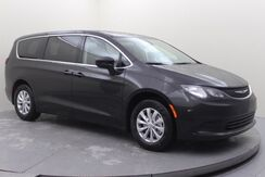 2017_Chrysler_Pacifica_Touring_ Mansfield OH
