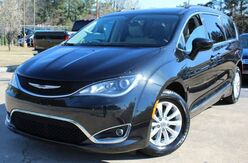 2017_Chrysler_Pacifica_w/ BACK UP CAMERA & LEATHER SEATS_ Lilburn GA