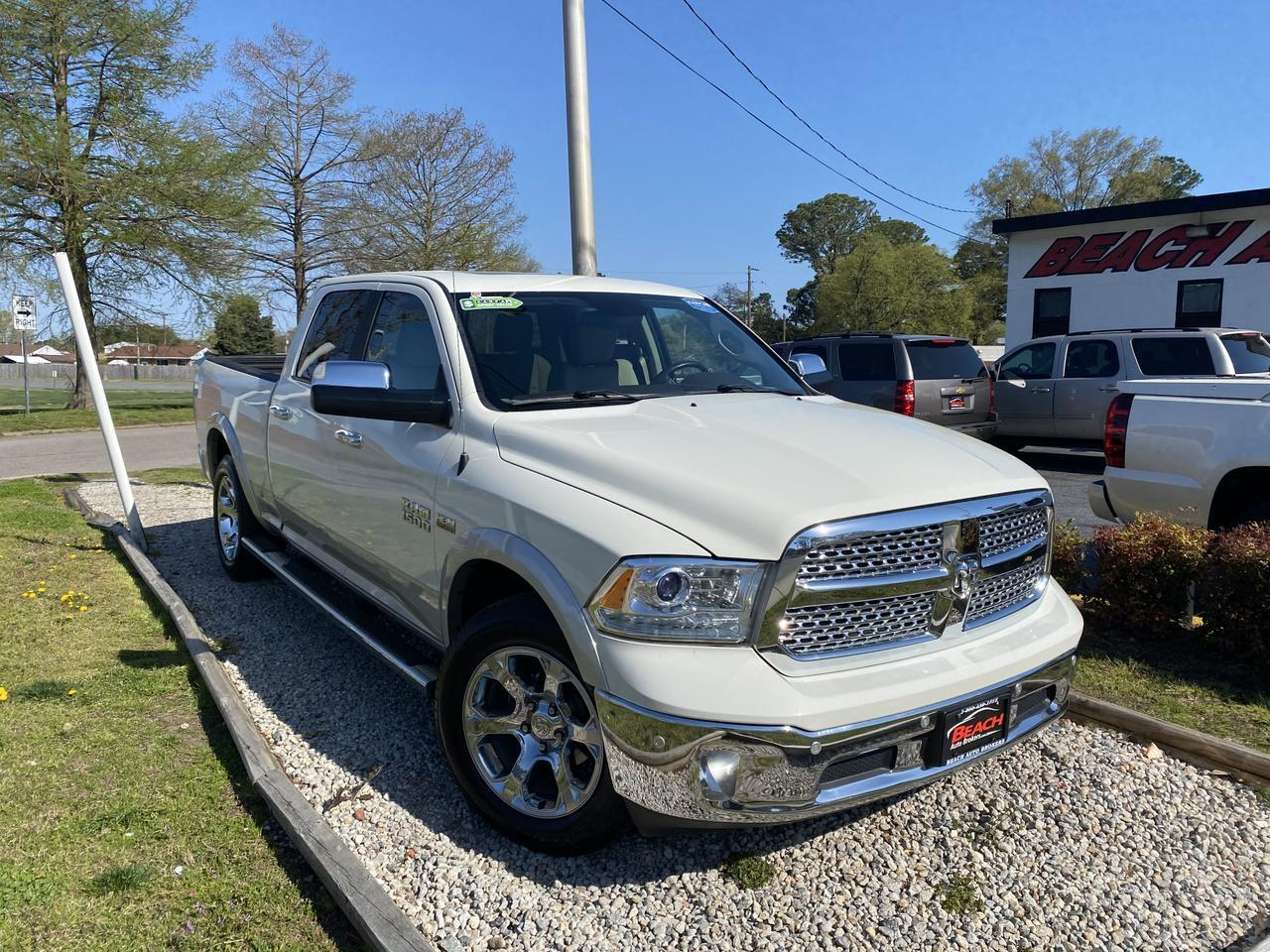 2017 DODGE RAM 1500 LARAMIE CREW CAB 4X4, WARRANTY, LEATHER, LONGBED, HEATED/COOLED SEATS, NAV, BACKUP CAM, CLEAN! Norfolk VA