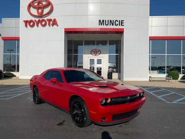 2017 Dodge Challenger SXT Coupe Muncie IN
