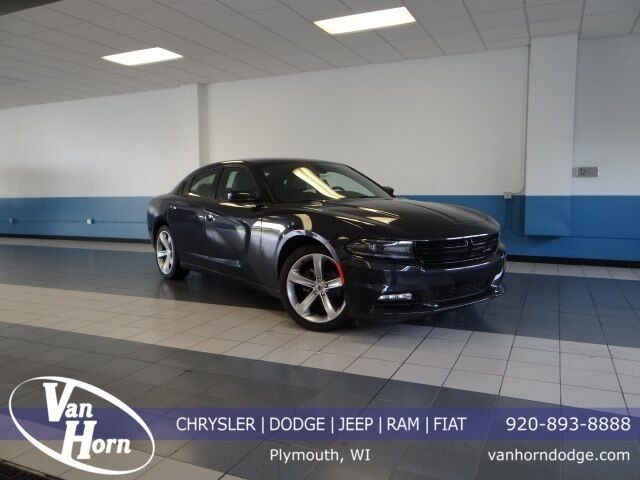 2017 Dodge Charger SXT Plymouth WI