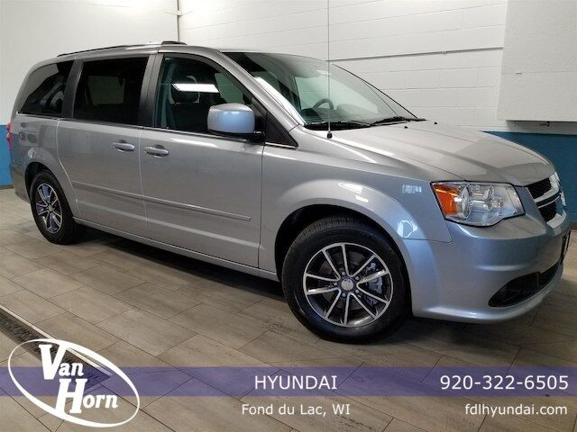 2017 Dodge Grand Caravan SXT Plymouth WI