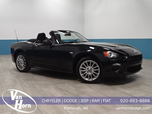 2017 Fiat 124 Spider Classica Plymouth WI
