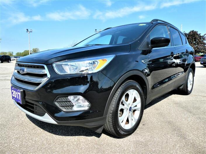 2017 Ford Escape 1.5L SE   Heated Seats   Cruise Control   Back Up Cam Essex ON