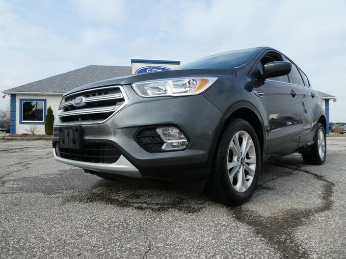2017 Ford Escape SE -1.5L- BLUETOOTH- BACKUP CAM- HEATED SEATS Essex ON