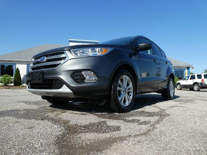 2017 Ford Escape SE- 1.5L- BLUETOOTH- BACKUP CAMERA- HEATED SEATS Essex ON
