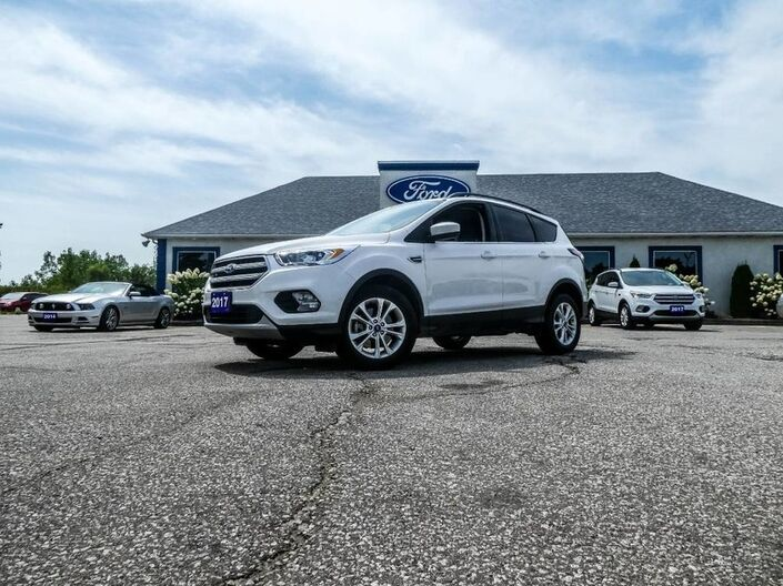 2017 Ford Escape SE- 4X4- 2.0L- NAVIGATION- HEATED SEATS- BLUETOOTH- BACKUP CAMER Essex ON