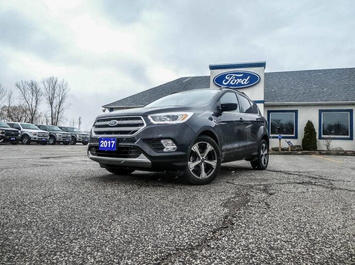 2017 Ford Escape SE- LEATHER- NAVIGATION- HEATED SEATS- BACKUP CAMERA Essex ON