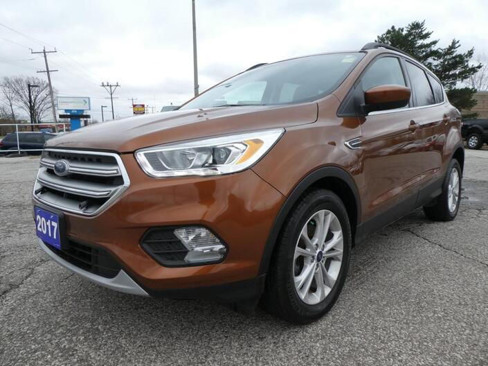 2017 Ford Escape SE Navigation Heated Seats Back Up Cam Essex ON