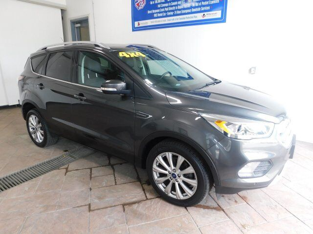 2017 Ford Escape Titanium *4WD* LEATHER NAVI SUNROOF Listowel ON