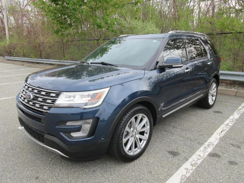 2017_Ford_Explorer_Limited_ Warwick RI
