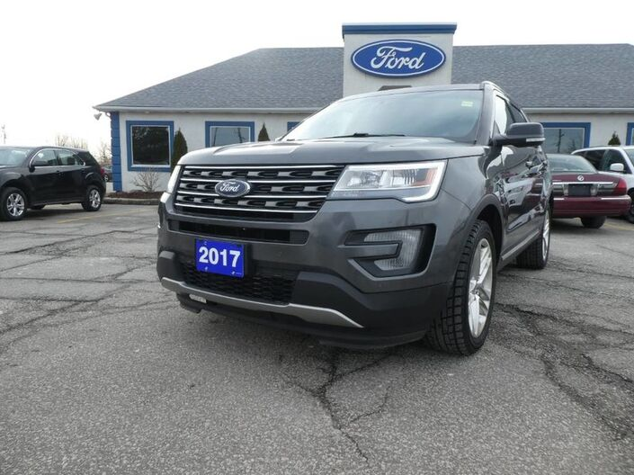 2017 Ford Explorer XLT- LEATHER- NAVIGATION- PANORAMIC SUNROOF - REMOTE START Essex ON