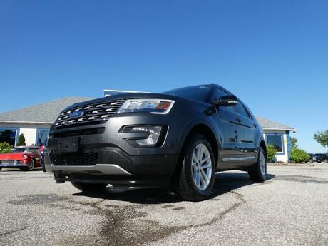 2017 Ford Explorer XLT- LEATHER- REMOTE START- NAVIGATION- PANORAMIC SUNROOF Essex ON