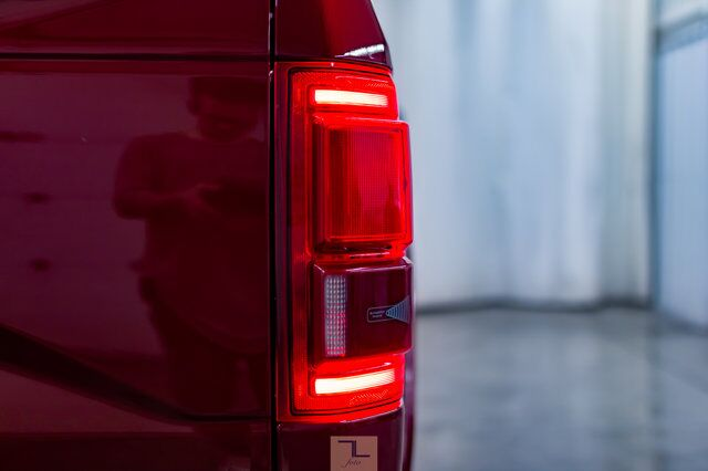 2017 Ford F-150 4x4 Super Crew Lariat FX4 Leather Roof Nav Red Deer AB