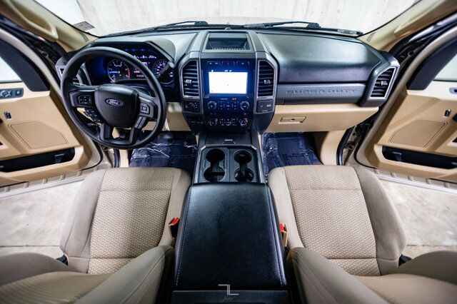 2017 Ford F-250 4x4 Crew Cab XLT Diesel Nav BCam Red Deer AB