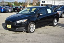 2017_Ford_Focus_SE Sedan_ Houston TX