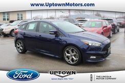 2017_Ford_Focus_ST_ Milwaukee and Slinger WI