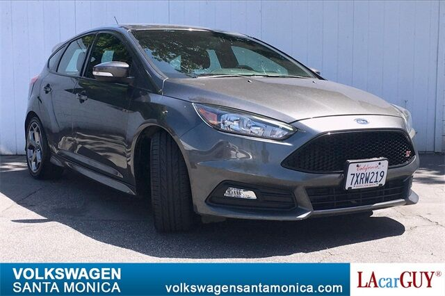 2017_Ford_Focus_ST_ Santa Monica CA