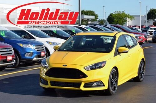 2017_Ford_Focus_ST_ Fond du Lac WI
