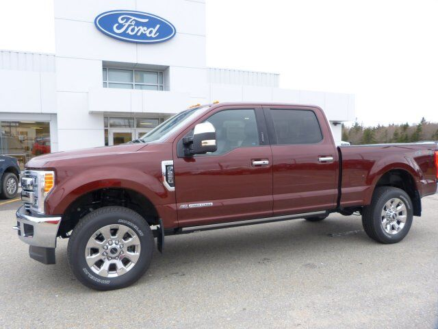 2017 Ford Super Duty F-250 SRW Lariat Tusket NS