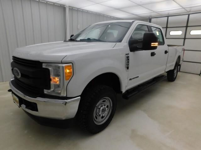 2017 Ford Super Duty F-250 SRW XL 4WD Crew Cab 6.75' Box Manhattan KS