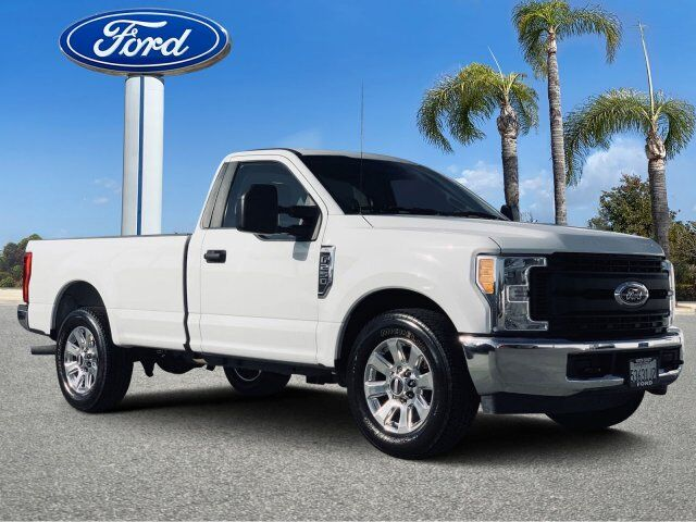 2017_Ford_Super Duty F-250 SRW_XL_ Vista CA