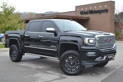 2017_GMC_Sierra 1500_Denali/4X4/Local 1 Owner Vehicle/Must See/Like New/ProComp 4 Lift/35'' Nitto Ridge Grappler Tires/Fuel Wheels/Foldable Bed Cover/6.2L/Rear DVD/Sunroof/Heated Steering Wheel/Power Retractable Running Boards_ Nashville TN