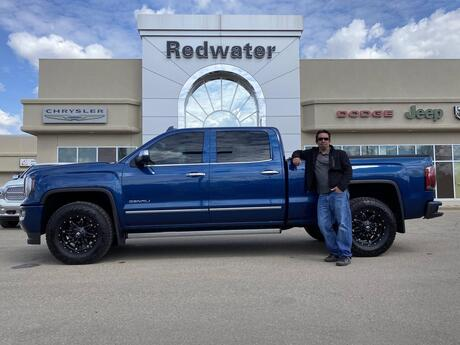 2017 GMC Sierra 1500 Denali Crew - 4X4 -  6.2L V8 Rare - Sunroof - Leather - One Owner Redwater AB