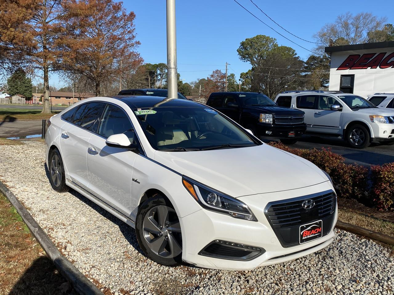2017 HYUNDAI SONATA HYBRID LIMITED, WARRANTY, LEATHER, NAV, HEATED/COOLED SEATS, BLUETOOTH, CLEAN CARFAX, 1 OWNER! Norfolk VA
