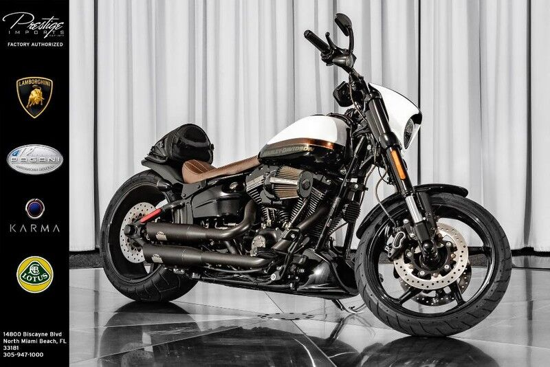 2017_Harley-Davidson_Breakout CVO__ North Miami Beach FL