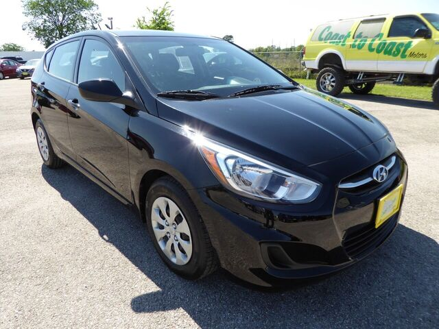 2017 Hyundai Accent SE 5-Door 6A Houston TX