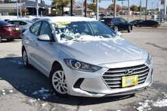 2017_Hyundai_Elantra_SE 6AT_ Houston TX